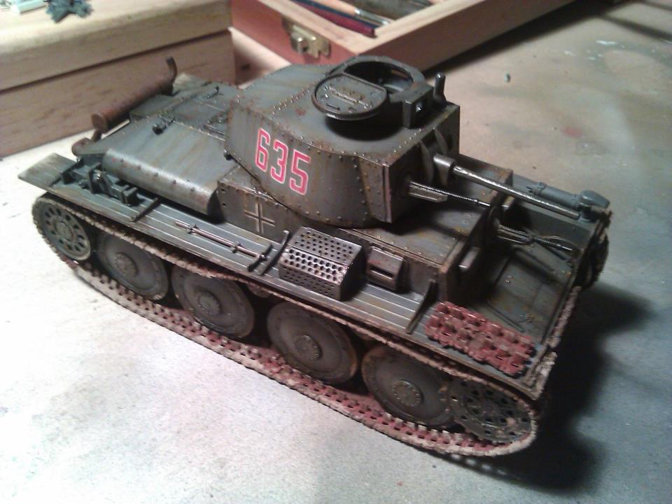 Aplicando oleos panzer 38(t)