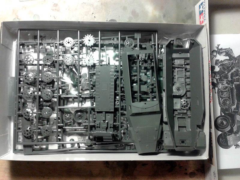 Kit Contents hanomag sdkfz 251/1