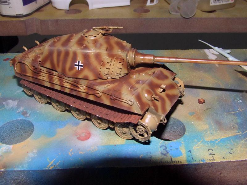 Tiger II Ausf. B Revell pintura camuflaje calcas