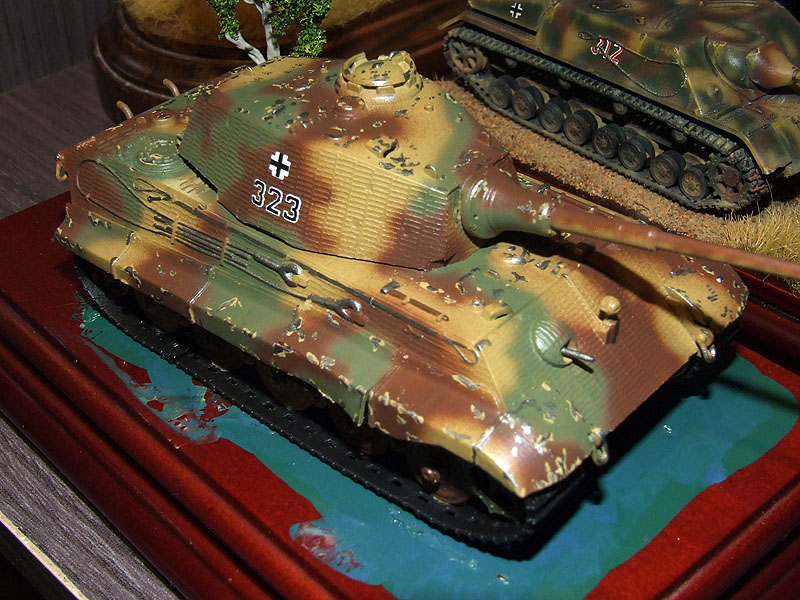 Sd.kfz 182 king tiger descorches