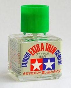 glue-Tamiya-3